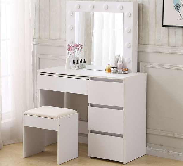 Footlights Dressing Table Set